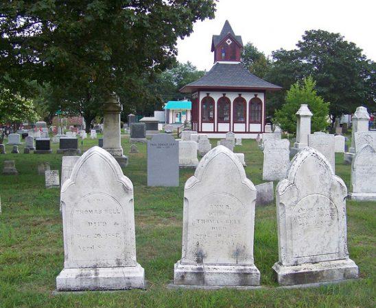 Márvány sírkövek